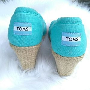 Toms Shoes - Toms wedge shoes sz 7